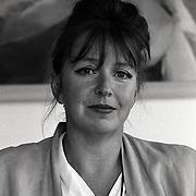 NLD/Huizen/19940905 - Kunstenares Ria Beerendonk van Galerij de Rokerij Huizen