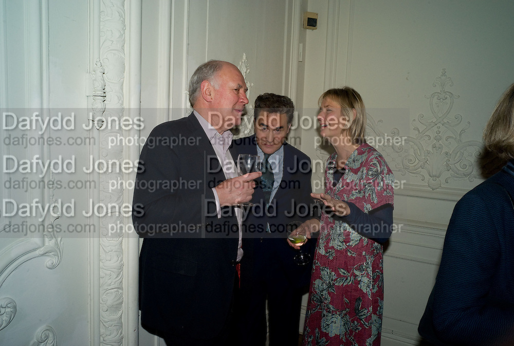 MICHAEL COCKERELL; PETER YORK; PHILLIPA WALKER, Vanity Fair, Baroness Helena Kennedy QC and Henry Porter launch ' The Convention on Modern Liberty'. The Foreign Press Association. Carlton House Terrace. London. 15 January 2009 *** Local Caption *** -DO NOT ARCHIVE-© Copyright Photograph by Dafydd Jones. 248 Clapham Rd. London SW9 0PZ. Tel 0207 820 0771. www.dafjones.com.<br /> MICHAEL COCKERELL; PETER YORK; PHILLIPA WALKER, Vanity Fair, Baroness Helena Kennedy QC and Henry Porter launch ' The Convention on Modern Liberty'. The Foreign Press Association. Carlton House Terrace. London. 15 January 2009