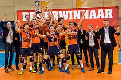 19-02-2017 NED: Bekerfinale Draisma Dynamo - Seesing Personeel Orion, Zwolle<br /> In een uitverkochte Lanstede Topsporthal wint Orion met 3-1 de bekerfinale van Dynamo / Orion bekerkampioen 2016-2017