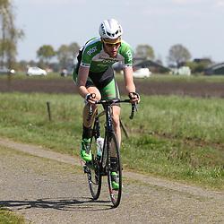 02-05-2015: Wielrennen: Ronde van Overijssel mannen: Rijssen <br />RIJSSEN (NED) wielrennen:  De 63e ronde van Overijssel heeft als zwaarte punt de heuveltjes rond Ootmarsum en de Sallandse heuvelrug. Net als in de ronde van Vlaanderen kent men in Overijssel het dorp van de ronde. In 2015 is de eer aan Markelo.<br />De man die het middenstuk vna de koers kleurde Connor Dunne