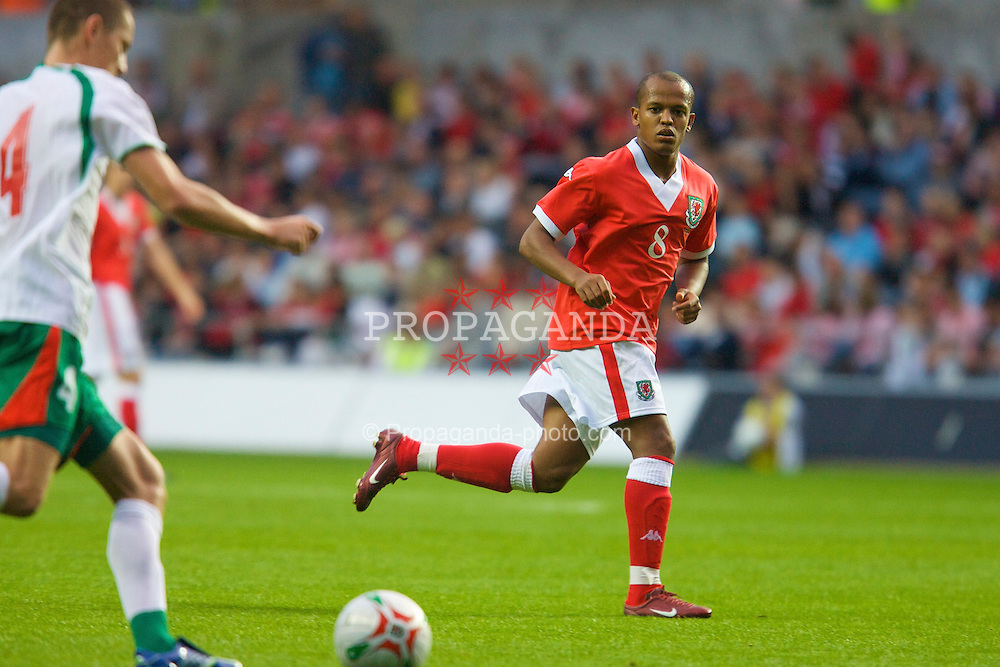 SWANSEA, WALES - TUESDAY, AUGUST 15th, 2006: Wales' Robert Earnshaw in action against Bulgaria during the International Friendly match at the Liberty Stadium. (Pic by David Rawcliffe/Propaganda)