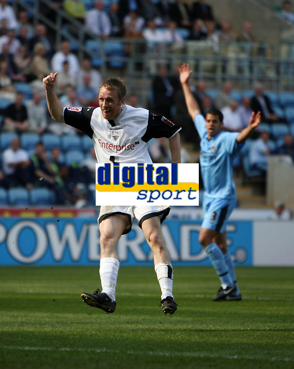 Photo: Rich Eaton.<br /> <br /> Coventry City v Preston North End. Coca Cola Championship. 14/04/2007. Prestons Brett Ormerod watches his first goal go in
