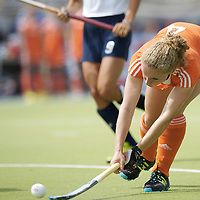 MONCHENGLADBACH - Junior World Cup<br /> Pool A: The Netherlands - USA<br /> photo: Samatha Saxton scores.<br /> COPYRIGHT FRANK UIJLENBROEK FFU PRESS AGENCY