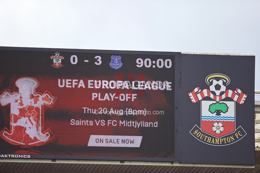 SOUTHAMPTON, ENGLAND - Saturday, August 15, 2015: Southampton's scoreboard records the 3-0n defeat by Everton during the FA Premier League match at St Mary's Stadium. (Pic by David Rawcliffe/Propaganda)