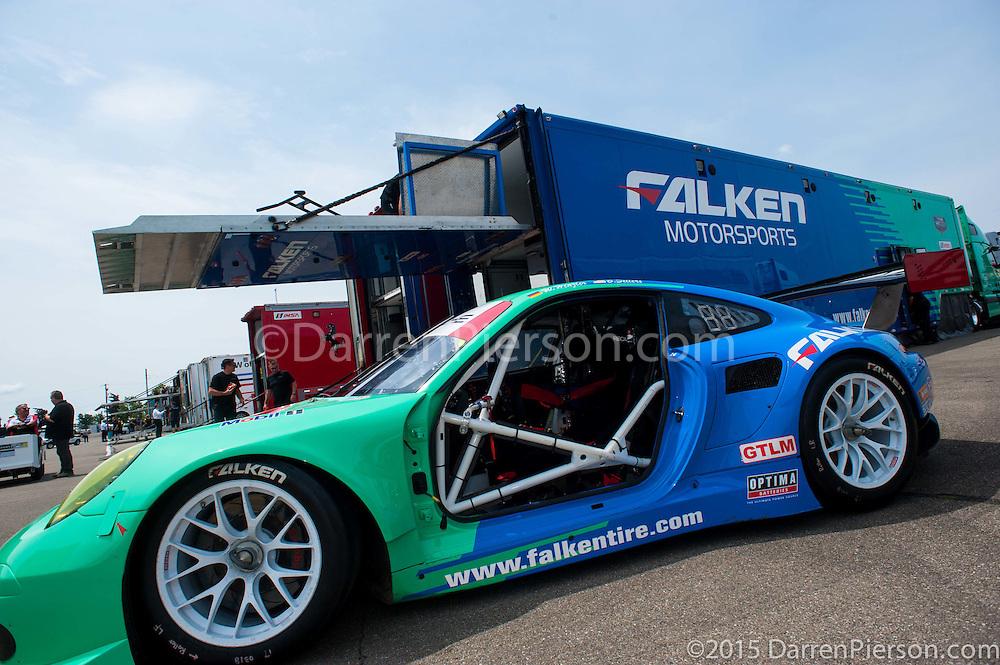#17 Team Falken Tire Porsche 911 RSR: Bryan Sellers, Wolf Henzler