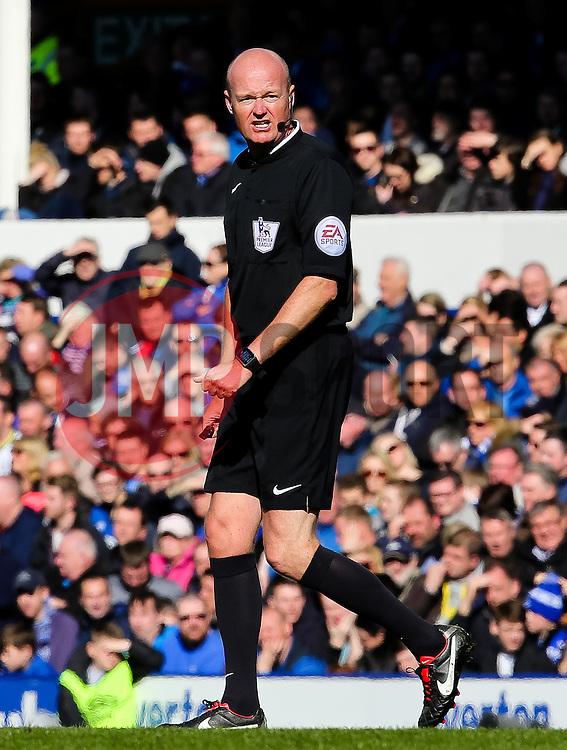 Referee Lee Mason - Photo mandatory by-line: Matt McNulty/JMP - Mobile: 07966 386802 - 04/04/2015 - SPORT - Football - Liverpool - Goodison Park - Everton v Southampton - Barclays Premier League