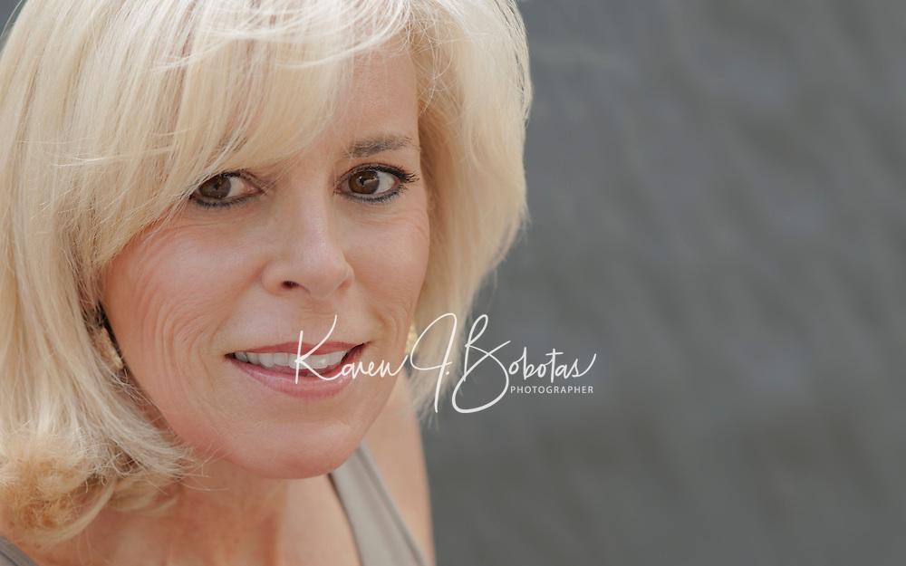 Headshots with Dana © Karen Bobotas Photographer