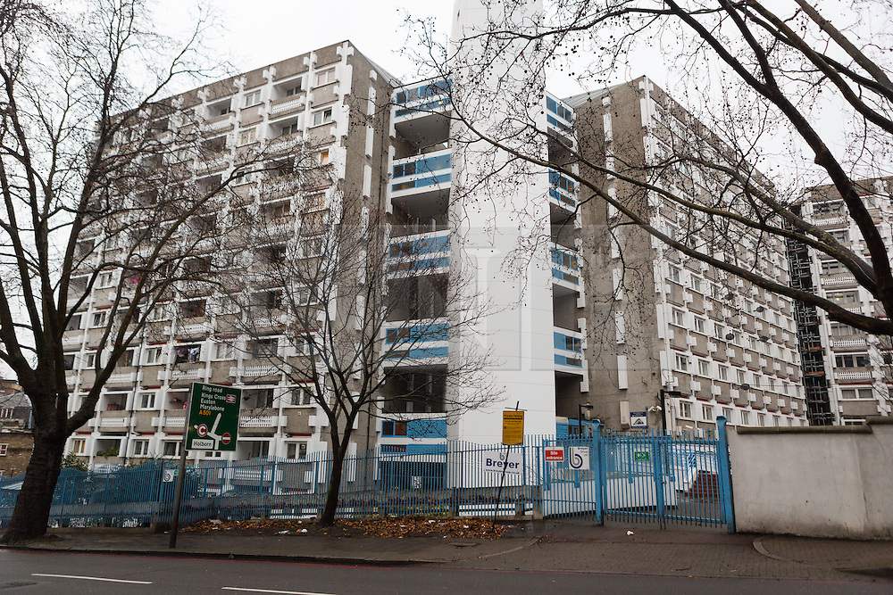 © Licensed to London News Pictures. 03/01/2015. London, UK. General view of Stelfox House flats in Penton Rise. Police have launched a murder investigation after two men were found dead following a suspicious house fire in Penton Rise in Islington, north London last night. Photo credit : Vickie Flores/LNP