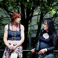 Nederland, Amsterdam , 22 mei 2010.Optreden van de transgendergroep Brokeback Mountain Kings tijdens Transfusion, het Transgender festival georganiseerd door Transgender Netwerk Nederland in Hotel Casa 400..Transfusion is bedoeld om transgenders en hun naasten de kans te bieden elkaar in een positieve sfeer te ontmoeten. De hele dag zijn workshops over uiteenlopende onderwerpen varierend van genderactivisme tot verbale weerbaarheid en van theaterimprovisaties tot stijldansen. Naast de workshops zijn er een expositie gemaakt door transgenders, een informatiemarkt waar instellingen en bedrijven zich presenteren die speciaal gericht zijn op transgendersen een talkshow waarin gepraat wordt over serieuze zaken als de zorg en veiligheid voor transgenders.Foto:Jean-Pierre Jans