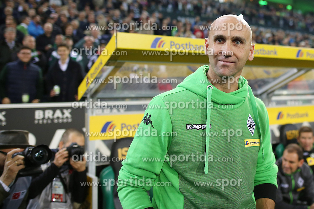23.09.2015, Stadion im Borussia Park, Moenchengladbach, GER, 1. FBL, Borussia Moenchengladbach vs FC Augsburg, 6. Runde, im Bild Trainer Andre Schubert (Borussia Moenchengladbach) // during the German Bundesliga 6th round match between Borussia Moenchengladbach and FC Augsburg at the Stadion im Borussia Park in Moenchengladbach, Germany on 2015/09/23. EXPA Pictures &copy; 2015, PhotoCredit: EXPA/ Eibner-Pressefoto/ Schueler<br /> <br /> *****ATTENTION - OUT of GER*****