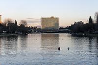 IL LAGHETTO E IL PALAZZO DELL'ENI<br /> THE LAKE AND THE ENI BUILDING