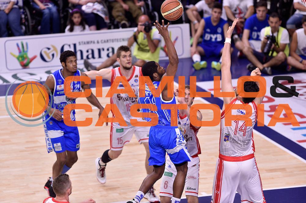 DESCRIZIONE : Sassari Lega A 2014-2015 Banco di Sardegna Sassari Grissinbon Reggio Emilia Finale Playoff Gara 6 <br /> GIOCATORE : Jerome Dyson<br /> CATEGORIA : tiro<br /> SQUADRA : Banco di Sardegna Sassari<br /> EVENTO : Campionato Lega A 2014-2015<br /> GARA : Banco di Sardegna Sassari Grissinbon Reggio Emilia Finale Playoff Gara 6 <br /> DATA : 24/06/2015<br /> SPORT : Pallacanestro<br /> AUTORE : Agenzia Ciamillo-Castoria/GiulioCiamillo<br /> GALLERIA : Lega Basket A 2014-2015<br /> FOTONOTIZIA : Sassari Lega A 2014-2015 Banco di Sardegna Sassari Grissinbon Reggio Emilia Finale Playoff Gara 6<br /> PREDEFINITA :