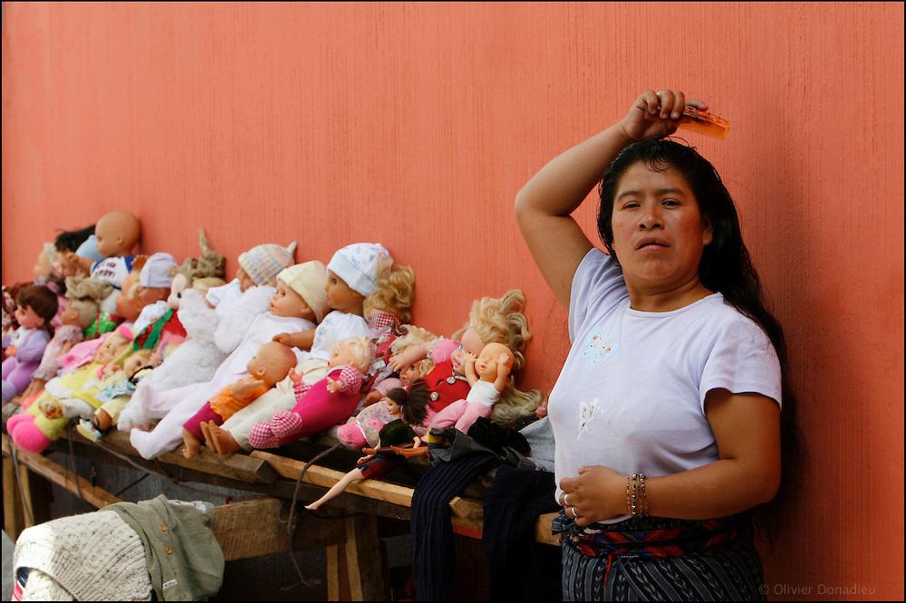 La vendeuse de poupées. Chichicastenango