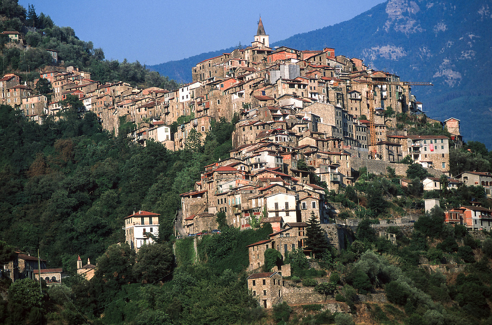 """Apricale (IM) - """"I Borghi più belli d'Italia"""" :-: Apricale (Italy)  (Italy) - """"The most beautiful villages of Italy"""""""