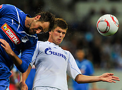 10.09.2010, Rhein-Neckar-Arena, Sinsheim, GER, 1. FBL, TSG Hoffenheim vs Schalke 04, im Bild Klaas-Jan Huntelaar (Schalke #25) im Kopfballduell mit Josip Simunic (Hoffenheim CRO #14), EXPA Pictures © 2010, PhotoCredit: EXPA/ nph/  Roth+++++ ATTENTION - OUT OF GER +++++