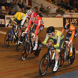 20-12-2015: Wielrennen: NK Baan: Alkmaar<br />ALKMAAR (NED) baanwielrennen  <br />Tussensprint met Stroetinga die de snelste is voor Ligthart, Asselman,.