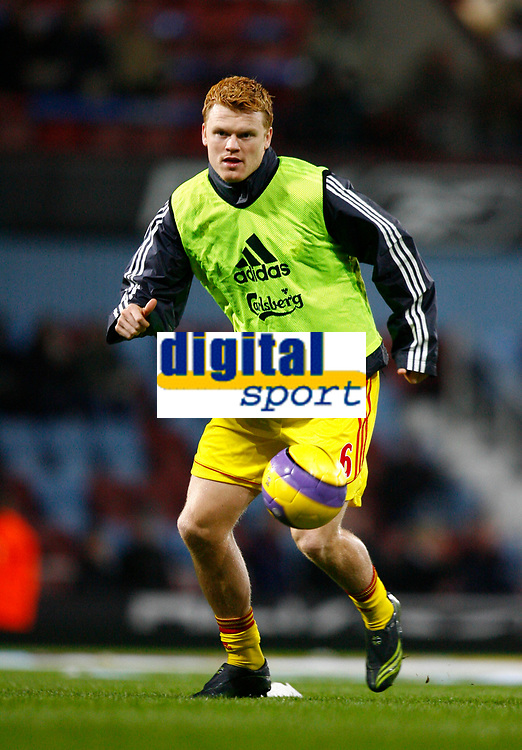 Fotball<br /> Foto: Propaganda/Digitalsport<br /> NORWAY ONLY<br /> <br /> London, England - Tuesday, January 30, 2007: Liverpool's John Arne Riise warms-up before the Premiership against West Ham United match at Upton Park