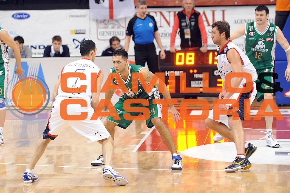 DESCRIZIONE : Biella Lega A 2010-11 Angelico Biella Montepaschi Siena<br /> GIOCATORE : Pietro Aradori<br /> SQUADRA :  Montepaschi Siena<br /> EVENTO : Campionato Lega A 2010-2011 <br /> GARA : Angelico Biella  Montepaschi Siena<br /> DATA : 06/03/2011<br /> CATEGORIA : Difesa<br /> SPORT : Pallacanestro <br /> AUTORE : Agenzia Ciamillo-Castoria/ L.Goria<br /> Galleria : Lega Basket A 2010-2011  <br /> Fotonotizia : Biella Lega A 2010-11 Angelico Biella Montepaschi Siena<br /> Predefinita :