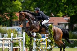 MOELLER Joerg (GER), Casablanca<br /> Hamburg - 90. Deutsches Spring- und Dressur Derby 2019<br /> Equiline Youngster Cup CSIYH1*<br /> Springprüfung für 7j. und 8j. Pferde<br /> 31. Mai 2019<br /> © www.sportfotos-lafrentz.de/Stefan Lafrentz