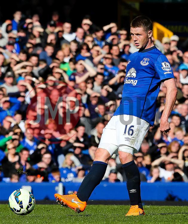 Everton's James McCarthy   - Photo mandatory by-line: Matt McNulty/JMP - Mobile: 07966 386802 - 04/04/2015 - SPORT - Football - Liverpool - Goodison Park - Everton v Southampton - Barclays Premier League