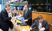 BRUSSEL- GOLF- JAMES ELLIS, MEP, Chair European Parliamentary Golfing Society, during EGA Golf Course Committee Exhibition of Golf at European Parliament.  FOTO KOEN SUYK