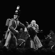 Tivolis Pantomimeteater lykønsker Dronningen, der flere gange har arbejdet tæt sammen med Pantomimeteatret som scenograf for teatrets forestillinger.