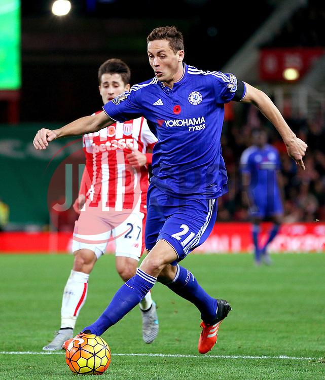 Nemanja Matic of Chelsea attacks - Mandatory byline: Matt McNulty/JMP - 07966 386802 - 07/11/2015 - FOOTBALL - Britannia Stadium - Stoke-On-Trent, England - Stoke City v Chelsea - Barclays Premier League