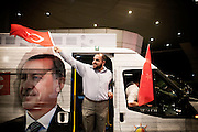 ISTANBUL. THE PRIME MINISTER ERDOGAN IS ACCEPTED BY ITS SUPPORTERS OF ISTANBUL AIRPORT;