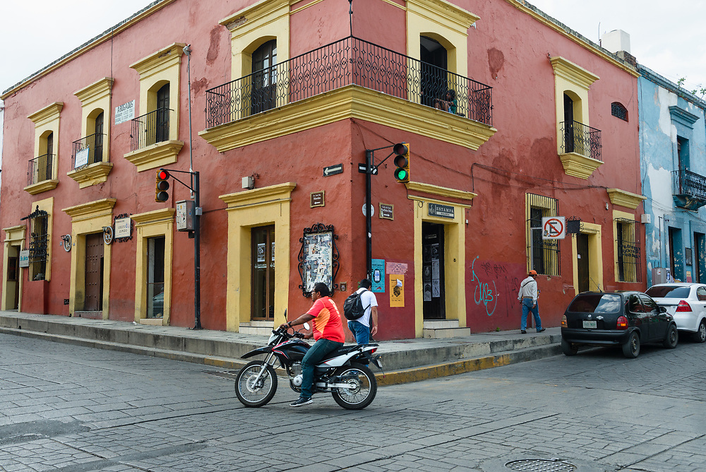 Traffic at an intersection in Oaxaca, Mexico