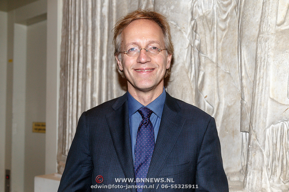 NLD/Amsterdam/20160128 - opening DWDD Pop Up Museum 2016, Robbert Dijkgraaf