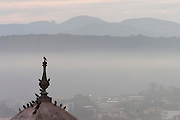 Congonhas_MG, Brasil...Vista panoramica de Congonhas com neblina...The Congonhas Panoramic view with the fog...Foto: LEO DRUMOND / NITRO.