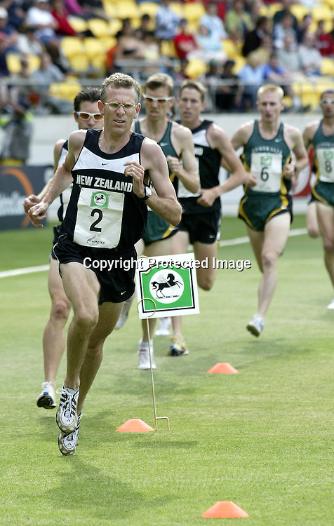 8 January 2003, Westpac Trust Stadium, Wellington, New Zealand. New Zealand v India. 5th One Day International cricket match. <br />National Bank 1 mile race between New Zealand and Australia.<br />Pic: Marty Melville/Photosport