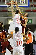 DESCRIZIONE : Roma Lega Basket A 2011-12  Acea Virtus Roma EA7 Emporio Armani Milano<br /> GIOCATORE : Alessandro Tonolli<br /> CATEGORIA : stoppata difesa<br /> SQUADRA : Acea Virtus Roma<br /> EVENTO : Campionato Lega A 2011-2012 <br /> GARA : Acea Virtus Roma EA7 Emporio Armani Milano<br /> DATA : 25/04/2012<br /> SPORT : Pallacanestro  <br /> AUTORE : Agenzia Ciamillo-Castoria/ GiulioCiamillo<br /> Galleria : Lega Basket A 2011-2012  <br /> Fotonotizia : Roma Lega Basket A 2011-12 Acea Virtus Roma EA7 Emporio Armani Milano <br /> Predefinita :