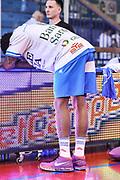 DESCRIZIONE : Campionato 2014/15 Serie A Beko Grissin Bon Reggio Emilia - Dinamo Banco di Sardegna Sassari Finale Playoff Gara7 Scudetto<br /> GIOCATORE : Edgar Sosa<br /> CATEGORIA : Before Pregame Riscaldamento Stretching Curiosità<br /> SQUADRA : Dinamo Banco di Sardegna Sassari<br /> EVENTO : LegaBasket Serie A Beko 2014/2015<br /> GARA : Grissin Bon Reggio Emilia - Dinamo Banco di Sardegna Sassari Finale Playoff Gara7 Scudetto<br /> DATA : 26/06/2015<br /> SPORT : Pallacanestro <br /> AUTORE : Agenzia Ciamillo-Castoria/L.Canu