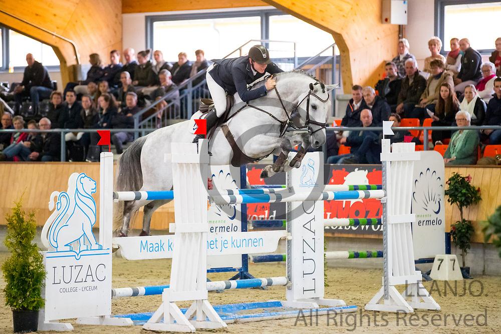 Lennard de Boer - Grand Field<br /> KNHS Indoorkampioenschappen 2018<br /> © DigiShots