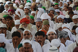 June 3, 2017 - Lahore, Punjab, Pakistan - Pakistani people offering first Friday prayer at the Data Darbar mosque during holy fasting month of Ramzan-ul-mubarak (Credit Image: © Rana Sajid Hussain/Pacific Press via ZUMA Wire)