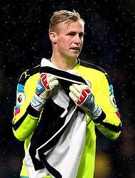 Kasper Schmeichel of Leicester City dries himself off with a towel as rain falls on him - Mandatory by-line: Robbie Stephenson/JMP - 31/01/2017 - FOOTBALL - Turf Moor - Burnley, England - Burnley v Leicester City - Premier League