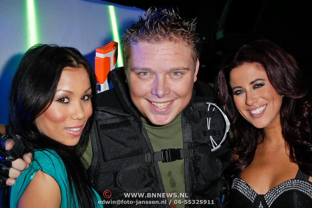 NLD/Amsterdam/20111107- Lancering Call of Duty MW3, Sterretje, Rosanna Hoo, Tony Wyczynski en Melissa Sneekes
