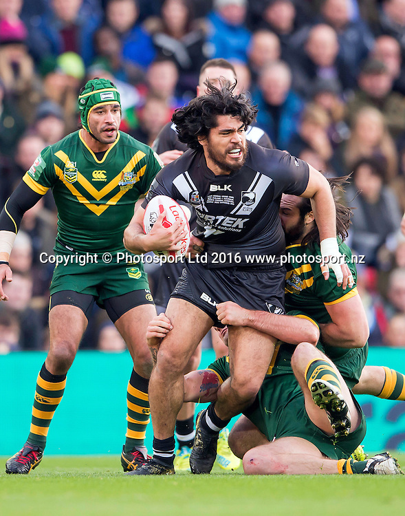 20/11/2016 - Rugby League - 2016 Ladbrokes Four Nations Final - Australia v New Zealand - Anfield, Liverpool, England - New Zealand's Tohu Harris fights through Australian tackles.<br /> Copyright photo: Allan McKenzie / www.photosport.nz