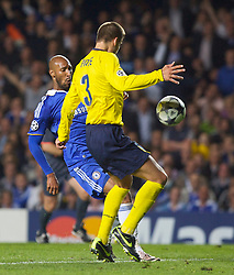 LONDON, ENGLAND - Wednesday, May 6, 2009: Barcelona's Gerard Pique handles the ball inside the penalty area but no penalty was awarded to Chelsea during the UEFA Champions League Semi-Final 2nd Leg match at Stamford Bridge. (Photo by Carlo Baroncini/Propaganda)