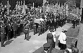 1975 - Funeral Of Eamon Devalera To Glasnevin.   (J72)