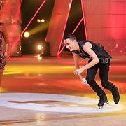 NLD/Hilversum/20130202 - 6de liveshow Sterren Dansen op het IJs 2013, Monsif Bakkali en schaatspartner Patti Petrus