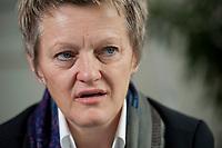 12 OCT 2010, BERLIN/GERMANY:<br /> Renate Kuenast, B90/Gruene, Fraktionsvorsitzende, waehrend einem Interview, in ihrem Buero, Jakob-Kaiser-Haus, Deutscher Bundestag<br /> IMAGE: 20101012-01-013<br /> KEYWORDS: Renate Künast