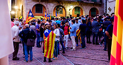 People gathering in  the Square de les Moreres in Barcelona to mark the beginning of the Catalan Weekend celebrations on 10th September 2015. This square contains the memorial to those who perished in the 1713-1714 siege of Barcelona.<br /> <br /> (c) Andrew Wilson | Edinburgh Elite media