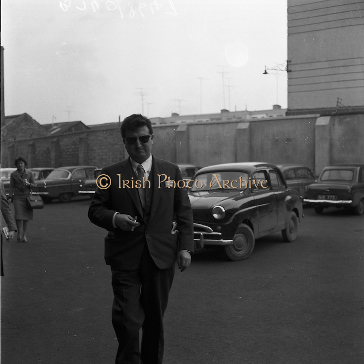 17/02/1961 <br /> 02/17/1961<br /> 17 February 1961<br /> Brenden Behan at the District Court, Dublin, having been charged with drunk and disorderly conduct.