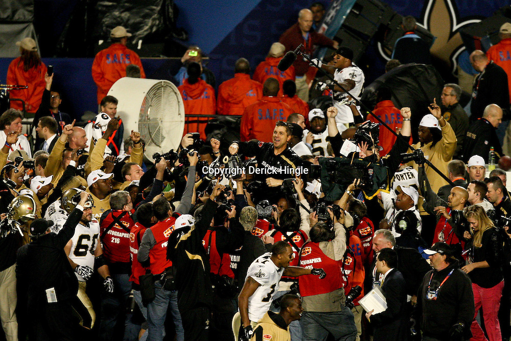 2010 February 07: New Orleans Saints head coach Sean Payton is hoisted to the shoulders of players following a 31-17 win by the New Orleans Saints over the Indianapolis Colts in Super Bowl XLIV at Sun Life Stadium in Miami, Florida.
