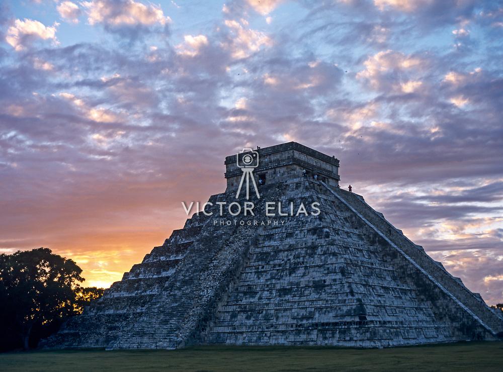El Castillo temple. Chichen Itza, Yucatan. Mexico.