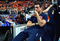 04-10-2015 NED: Volleyball European Championship Final Nederland - Rusland, Rotterdam<br /> Nederland verliest kansloos de finale met 3-0 van Rusland en moet genoegen nemen met zilver / Coach Giovanni Guidetti baalt
