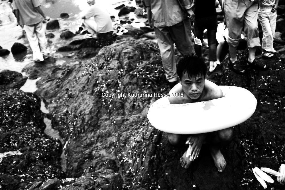 QINGDAO, AUGUST-17,2003:  beach