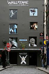 IRELAND DUBLIN 6FEB06 - The Wall of fame, depicting famous Irish artists in Dublin's Temple Bar district.. . jre/Photo by Jiri Rezac. . © Jiri Rezac 2006. . Contact: +44 (0) 7050 110 417. Mobile:  +44 (0) 7801 337 683. Office:  +44 (0) 20 8968 9635. . Email:   jiri@jirirezac.com. Web:    www.jirirezac.com. . © All images Jiri Rezac 2006 - All rights reserved.